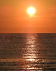 4704ex peachy beachy sunrise (jjjj56cp) Tags: sunrise beach ocean atlanticocean nc northcarolina outerbanks morning calm pathoflight radiance sky sun sunny risingsun p900 jennypansing orange bronze