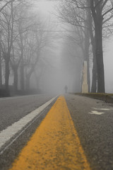 (Contebar) Tags: yellow leading line barbara conte street