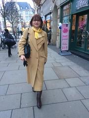 Erfurt Innenstadt (Marie-Christine.TV) Tags: feminine transvestite lady mariechristine winter coat boots outside wintermantel stiefel secretary sekretärin