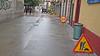 20-02-18 006 (Jusotil_1943) Tags: 200218 suelo pavimento señales trafico papelera