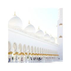 Sheihk Zayed Mosque (posterboy2007) Tags: sheihkzayedmosque abudhabi uae white mosque religion architecture