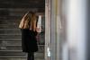 Telefon (StellaMarisHH) Tags: europa deutschland hamburg neustadt baumwall bahnhof ubahnhof telefon münztelefon handy kommuniation kontrast frau blond canon canoneos5dmkiv eos5dmkiv 5dmkiv tamron tamron70200 70200 28 lightroom