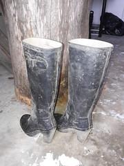 Dirty high heel hunters (jazka74) Tags: wellies rubber boots hunter high heel fulbroke dirty use fun trash