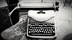 Write a caption 📝  #books #black #white #spain #villajoyosa #lavilla #november2017 #author #poems #qotes #2017 #oldstyle #secondhand (aina3103) Tags: 2017 qotes lavilla november2017 black books villajoyosa spain secondhand oldstyle poems white author