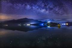 Sun moon lake~Galaxy  ~ Starry Sky~日月潭  網船 銀河 (Estrella Chuang 心星) Tags: 銀河 日月潭 心星 倒影 網船 estrella galaxy starry sky lake reflection water