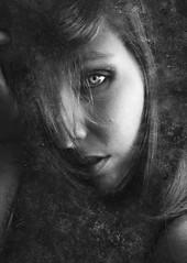 L. (Elisabet Navarro Hernández) Tags: lowkey shadow shadows retratos retrato selfportrait artístico arte artista photography fotografíaenblancoynegro humans autorretrato surrealismo surrealista inspiration inspirational miradas mirada onirico portrait monocromático portraits photo photographer photos capture sombras surrealism soul fotografías fotografíaeninterior monochrome monocromo
