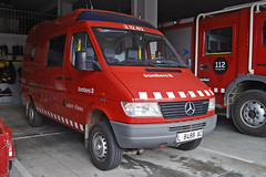 Bombers d'Esterri d'Àneu (bleulights) Tags: mercedes benz sprinter 4x4 bombers desterri dàneu 31262 bomberos firefighters rescue feuerwehr vigili del fuoco pompiers suhiltzaileak straz pozarna ambulància ambulancia ambulanza ambulance ambulanz rettungswagen emergències mèdiques medical emergencies emergencias médicas urgences médicales suport vital bàsic basic life support de base soporte básico samu 312 d