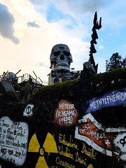 Looks like somebody is angry  #Abodeofchaos (Mam0369) Tags: abodeofchaos chaos skulls tetedemort demeureduchaos