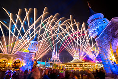 Magic Kingdom - Fans of Happily Ever After (Jeff Krause Photography) Tags: after back carrousel castle cinderella crowd disney ever fantasyland fireworks happily kingdom magic park towers wdw theme orlando florida unitedstates us