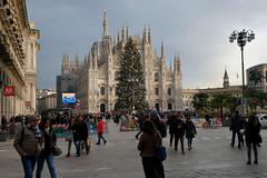 A Milano a inizio gennaio (STE) Tags: milano milan street fuji fujifilm xt20 duomo albero natale christmas tree piazza