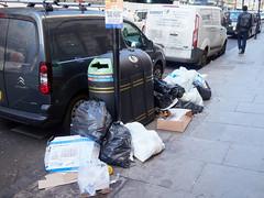 20180207T13-00-08Z-_2072991 (fitzrovialitter) Tags: england gbr geo:lat=5151632700 geo:lon=013625300 geotagged soho unitedkingdom westendward peterfoster fitzrovialitter rubbish litter dumping flytipping trash garbage urban street environment london streetphotography documentary authenticstreet reportage photojournalism editorial captureone littergram exiftool olympusem1markii mzuiko 1240mmpro ultragpslogger city