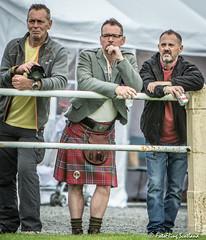 Wrestling Spectators (FotoFling Scotland) Tags: bute butehighlandgames event rothesay backhold kilt spectators fotoflingscotland