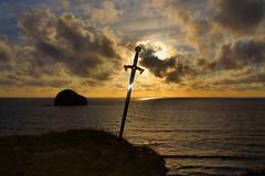 LEGENDS (STARDUSTPETE) Tags: legends excaliber sword cornwall gullrock sunset swordinthestone moodyscenes
