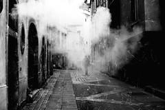 Metz...Dans les rues de la ville... (De l'autre côté du mirOir...) Tags: metz moselle 57 lorraine fr france french noiretblanc noirblanc monochrome blackwhite bw négroyblanco nikon nikkor d700 nikond700 rue street urban ruelle brume 500mmf14 personne streetshots frenchstreetphotography