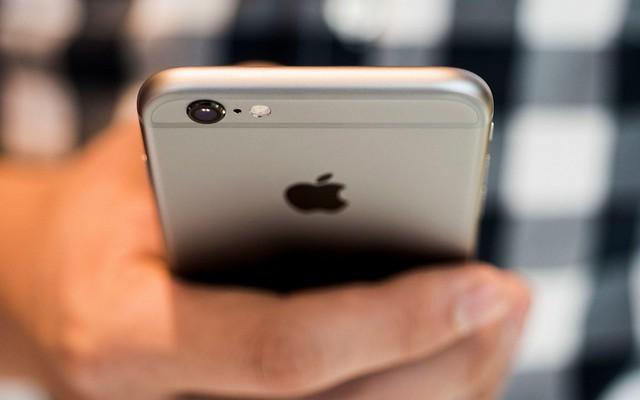 Apple публично извинилась зазамедление работы старых моделей iPhone