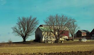 amish farm house