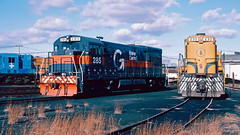 285_11_17 (2)_crop_clean (railfanbear1) Tags: railroad locomotive mec dh guilford u23b