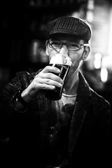 The Guinness man (bumbazzo) Tags: guinness beer birra irlanda ireland irlandese irish pub man men ragazzo ragazzi uomo uomini bianco nero bianconero bn bw black white blackwhite ritratto ritratti portrait portraits