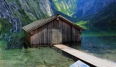 Bootshaus am Obersee (madbesl) Tags: obersee see lake bayern bavaria deutschland germany europa europe lakeobersee berge mountains landschaft landscape nationalparkberchtesgaden np nationalpark olympus omd em10 m10 omdem10 zuiko1250