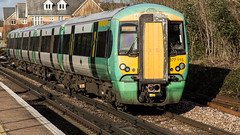 377115 (JOHN BRACE) Tags: 2002 bombardier derby built electrostar 377115 southern livery horley station