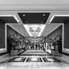 Vegas 2017-252 (Agirard) Tags: hotel wynn bw blackandwhite style design art marble people corridor lobby sony a7ii batis18 zeiss