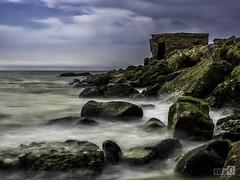 Rompeolas (JoseQ.) Tags: rocas mar cielo agua sedas paisaje barbate oceano cadiz estrecho playa led filtrond
