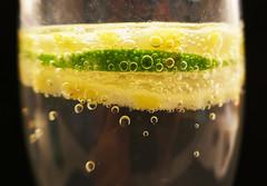Lemon & lime bubbly (Monceau) Tags: lemon lime bubbles bubbly layers 365picturesin2018 365the2018edition 3652018 day63365 04mar18 63365 citrus macromondays