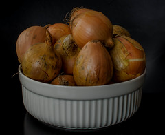 Onions (frankmh) Tags: onion vegetable food stilllife hittarp sweden indoor