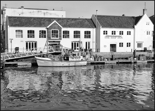 11.01.18 Weymouth Harbour..The Ship Inn..