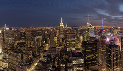 The City that doesn't sleep (tsanchezruiz) Tags: newyork nightshot nightphotography cityscape usa manhattan tofoftherock empirestatebuilding skyline buildings travel nyc nuevayork estadosunidos fotografíanocturna panorámica