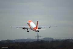 Easyjet G-EZFW J78A0233 (M0JRA) Tags: easyjet gezfw manchester airport planes flying jets biz aircraft pilot sky clouds runways