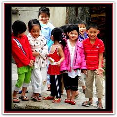 N°091 Vietnamese Woman, Vietnamienne,  Vietnamesische, Vietnamita, Вьетнамская, Vietnam,  Phụ nữ, Đàn bà, Giống cái, Con gái, Việt, Admiration and Respect for the Pretty Brave Vietnamese Ladies, Vietnam, (tamycoladelyves) Tags: vietnam vietnamese vietnamienne vietnamesische vietnamita вьетнамская vietnamesegirl vietnamesewoman vietnamesewomen vietnameselady vietnameseladies vietnamesepeople lady ladies woman women girl femme fille jeunefemme jeunefille vieilledame fräulein frau mädchen dama señorita mujer chica signora signorina donna ragazza senhora rapariga jovem mulher menina jongedame vrouw meisje леди молодая женщина девочка phụnữ nữ đànbà giốngcái congái việt hochiminhcity mékong dalat joie tendresse bonnehumeur sourire smiles sorrisi sonrisas happiness