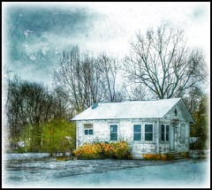 Tiny house.... (Sherrianne100) Tags: painterly oldhouse winter small tinyhouse springfieldmissouri missouri