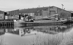 DSCF6649ff2 (roddersdad) Tags: 2018 alanoliverworkboats barge blackandwhite cliveg1hkfeclipsecouk copyrightclivejmaclennan cranebarge cranes february fujifilmxf18135rlmoiswrlens fujifilmxt1 hood httpswwwflickrcomphotosroddersdad outdoor rivertrent shipyard workboats workingboats wwwimagesbyclivecouk