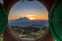 Hobbitenango (neritron) Tags: antigua guatemala nikon d750 2470mm nikkor lee filter landscape landscapes volcan volcano vulcan volcanoe volcanoes sunset mountail image color colorful green red orange blue