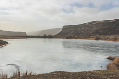 Frozen Perch Lake (johnwporter) Tags: hiking scramble mountains easternwashington washington desert centralwashington sunlakesdryfallsstatepark statepark coulee umatillarock 徒步 爬行 山 華盛頓東部 華盛頓州 荒漠 華盛頓中部 太陽湖乾瀑布州立公園 州立公園 豐碑深谷 深谷 尤馬蒂拉岩 monumentcoulee