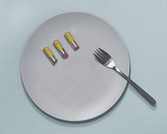 Come energia (SRPO) Tags: eat comer pil pilas energia fotomontaje salchichas photoshop minimal minimalista