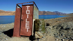 Rest Stop in Peace (Eye of Brice Retailleau) Tags: angle beauty composition landscape nature outdoor panorama paysage perspective scenery scenic view extérieur ciel sky sunny backpacking earth mountain mountains road route asia india ladakh himalaya leh wide vanishing point vista travel toilets restroom wc pangong lake