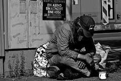 no words... (Ismail - humanistic misanthrope ツ) Tags: an evening a concert travel ein eine abend konzert reise m martin herzberg ensemble homeless obdachlos einwenigsozialkritikmusssein berlin unter den linden brandenburgertor