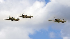 Headcorn. (Nigel Paine) Tags: lashenden headcorn egkh hawkerhurricane supermarinespitfire spitfire hurricane canon7dmkii tamronsp150600mm warbird