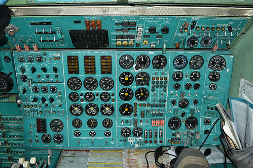 Engineers panel of Tu-154M 'RA-85663'