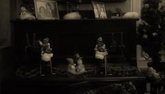 Schumann • Feuillet d'album (Gilbert-Noël Sfeir Mont-Liban) Tags: robertschumann feuilletsdalbum elfes sépia sepia piano klavier monochrome monochromatic monocromo salon saison weihnachten noël christmas