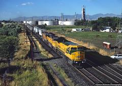 OACSZ at Woods Cross (jamesbelmont) Tags: chicagonorthwestern cnw ge c449w unionpacific oacsz woodscross utah trailers intermodal oilrefinery phillips66 railway