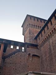 Castello Sforzesco # 5 (schreibtnix on 'n off) Tags: reisen travelling italien italy mailand milan castellosforzesco schatten shadows mauer wall befestigung fortification hof court olympuse5 schreibtnix