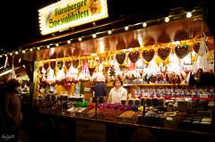 German Traditions - Nuremberg (cadadiamaslejos) Tags: people traditions christmasmarket food winter nuremberg germany europe night culture travel