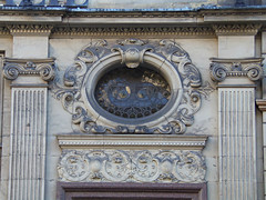 Looking Up, Castle Street, Liverpool, England (teresue) Tags: uk england liverpool merseyside 2017 castlestreet window