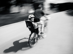 20170813-prague-0046 (xskyven) Tags: praha street streetphoto blur contrast blackandwhite motion speed bike ride