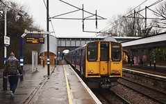 313044 Gordon Hill 20/01/2018 (Flash_3939) Tags: 313052 313044 class313 emu electricmultipleunit greatnorthern gn fcc livery gordonhill station gdh 2f14 london rail railway train uk january 2018