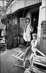img250 (Jurgen Estanislao) Tags: voigtlaender bessa r4m colorskopar 28mm f35 eastman kodak doublex france street photography black white noir jurgene estanislao