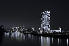 20180213-DSC2734 (A/D-Wandler) Tags: skyline skyscraper hochhaus ezb europäischezentralbank nacht einfarbig frankfurtammain main fluss spiegelung reflektion deutschherrnbrücke stadt wasser gebäude himmel wolkenkratzer